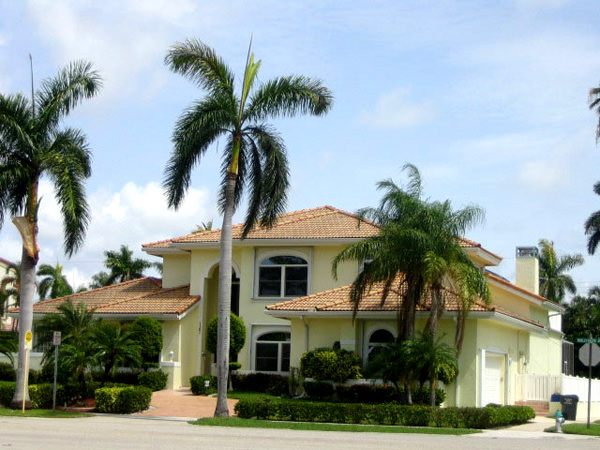 With our long line of services, we are prepared to meet any of your needs, and will help you discover the hidden potential in your house or business. Call Painting Contractor and Waterproofing Pompano Beach today.